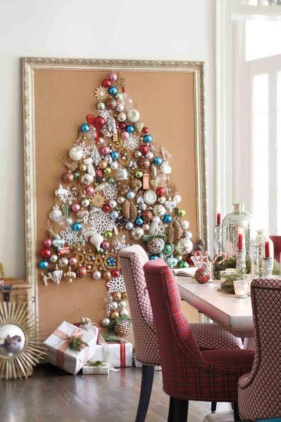 Árbol de Navidad sobre un cuadro