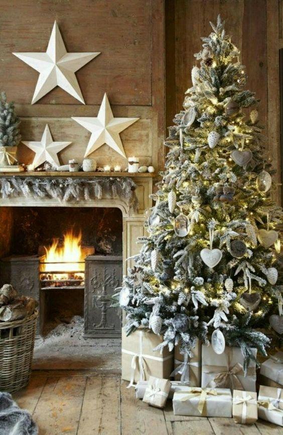 Árbol de Navidad con efecto nieve